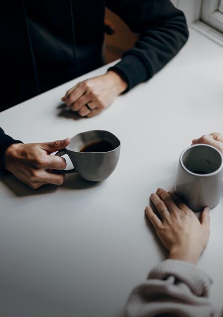 Jak rozpoczynać rozmowę sprzedażową – kilka sprawdzonych pomysłów na nawiązanie kontaktu z klientem